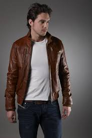 men leather jackets to fight against winter breeze