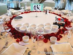 Red Rose Table Centerpieces by 124 Best Pretty Petal Ideas Images On Pinterest Confetti