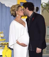 peta murgatroyd and maksim chmerkovskiy u0027s baby shower