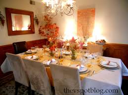 home decor thanksgiving table decoration with leaves