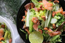 les ateliers cuisine salade saumon fumé roquettes et noix les ateliers cuisine de corinne