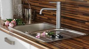quel plan de travail choisir pour une cuisine revetement plan de travail adhesif maison design bahbe com cuisine