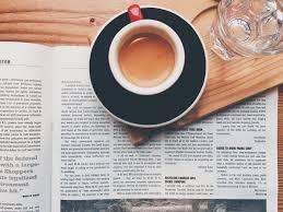 download desain majalah gambar koran majalah lepek minum espreso cangkir kopi merek