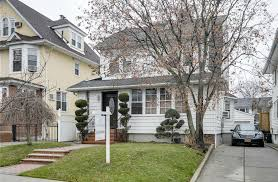 freestanding colonial home surpasses 1 million in flushing 6sqft