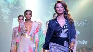 Interior Designer Celebrity - celebrity interior designer gauri khan to launch her maiden rug