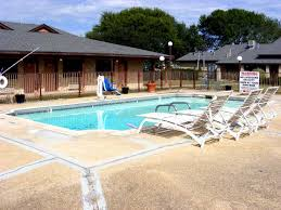 Texas outdoor traveler images Travel directory plum creek inn lockhart texas tx hotels motels JPG