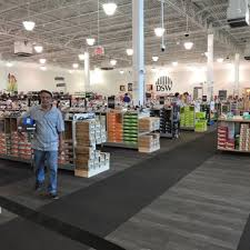 dsw designer shoe warehouse 18 photos 22 reviews shoe stores
