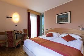 tappezzeria italiana camere ambassador suite hotel lago di garda