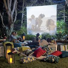 Backyard Movie Night Projector Best 25 Outdoor Movie Screen Ideas On Pinterest Outdoor Movie
