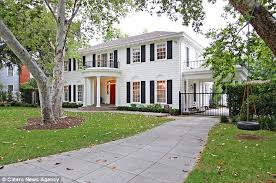 colonial mansion colonial mansion used in father of the bride goes on the market for
