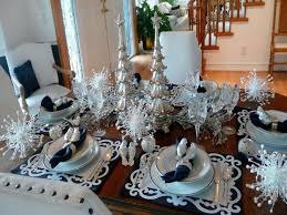 Christmas Table Decorations In Blue And Silver by Chic And Eye Catching Christmas Table Decor Step By Step Homeyou