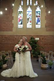47ea4cae00000578 5248587 sarah turnbull and rebecca hickson were quick to exchange vows t a 109 1515501588500 jpg