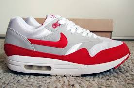 Most Comfortable Nike Sneakers The Basics 10 Sneakers Every Collector Should Own Ebay Style