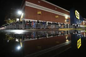 what time does target open black friday massachusetts black friday shoppers brawl as chaos surrounds shopping ny daily