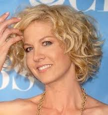 hair styles for women over 70 with white fine hair jennifer grey curled out bob bobs grey and jennifer grey