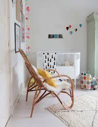 rocking chair chambre bébé confortable rocking chair chambre bébé chambre de bb 25 ides pour un