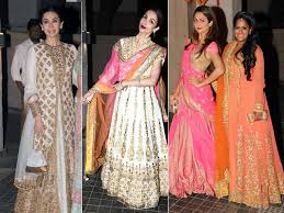 karisma malaika at kareena saif u0027s nawabi daawat for soha ndtv