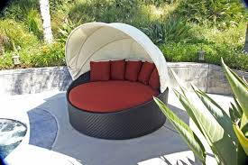 Sunbrella Patio Furniture Covers - amazon com harmonia living wink wicker curved outdoor daybed