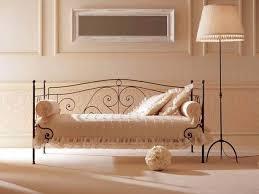 trasformare un letto in un divano trasformare un letto singolo in divano decorazioni per la casa