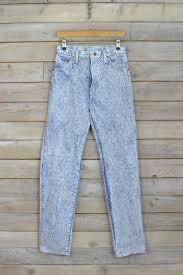 wrangler light blue jeans wrangler light blue acid wash mom jeans brag vintage clothing
