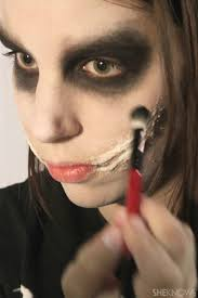 freaky femme joker makeup tutorial for halloween