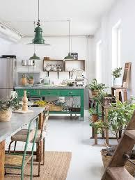 cuisine de famille salle à manger un comptoir de famille en guise d îlot central pour
