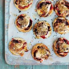 goats cheese canape recipes goat s cheese and beetroot tartlets vegetarian recipes canapes