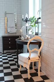 carrelage noir brillant salle de bain carrelage salle de bain noir et blanc duo intemporel très classe