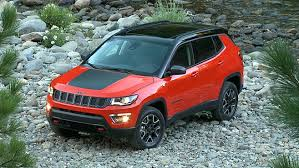 water jeep the 2017 jeep compass trailhawk can swim in water up to 19 inches