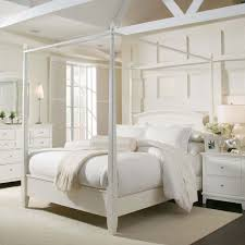 Bedroom Wall Fairy Lights Romantic Canopy Beds Crystal Chandelier White Wall Palette Black