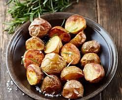 pomme de si e social pommes de terre au four au romarin recette de pommes de terre au