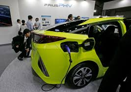 toyota japan website toyota u0027s plug in hybrid launch delayed by several months
