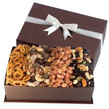 amazon com gourmet fruit and nut gift tray gourmet snacks and