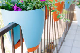 Rail Hanging Planters by Greenbo Railing Planters Integrate Ecology With Contemporary