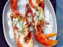cuisiner un homard cocotte de homard à l américaine recette sur cuisine actuelle