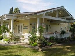 Bungalow Houses Best 25 Bungalow Porch Ideas On Pinterest Bungalow Exterior