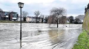 Schwapp Bad Hochwasserwelle Schwappt Vorbei Nachrichten Krumbach