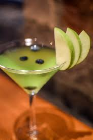 martini grasshopper how to make a cucumber martini