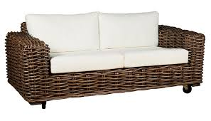 canape en rotin canapé 2 places en rotin coussins blanc