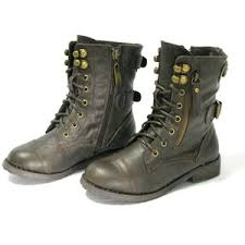 s lace up combat boots size 12 per fection ladies9 taps empty room and my