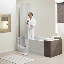 renaissance baths valens easy access bath if showering is your choice the shower screen sits snuggly over the bath door with the assistance of magnets