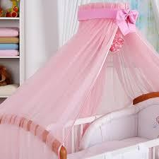 chambre bébé carrefour fleche de lit bebe carrefour table de lit a roulettes
