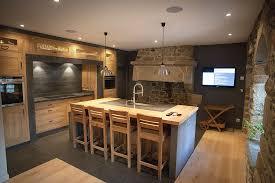 cuisine ancienne a renover renover une cuisine rustique en moderne repeindre meuble cuisine