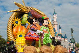 have a spook tastic halloween at disneyland paris this year