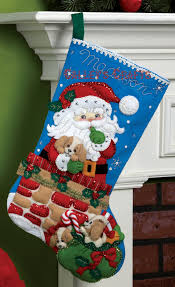 santa s secret 18 bucilla felt kit 86280