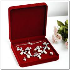 necklace set box images High end red velvet jewelry set box necklace packaging box pendant jpg