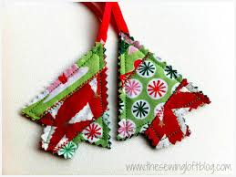 easy ornaments made from fabric scraps quilted trees
