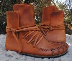 womens moccasin boots size 11 72 best moccasins images on moccasins shoes and