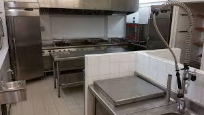 laboratoire de cuisine local traiteur à louer avec cuisine professionnelle marseille 16ème