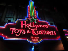 spirit halloween sherman 14 well stocked shops for scoring halloween costumes in la ozzie